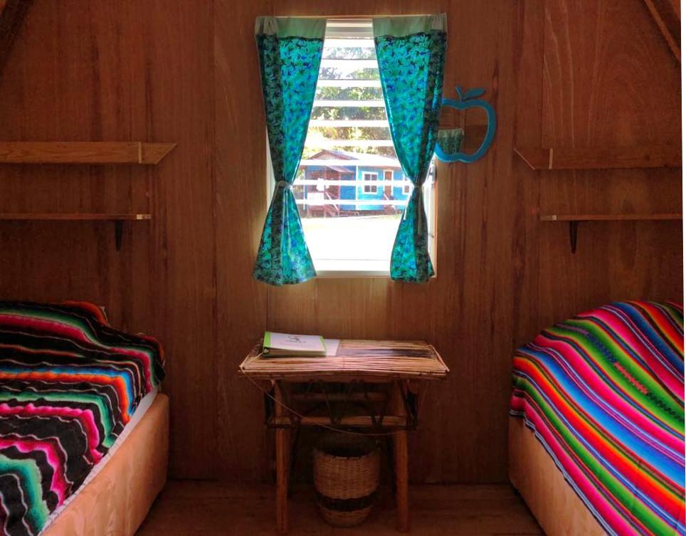 trees-Belize-cabin-02